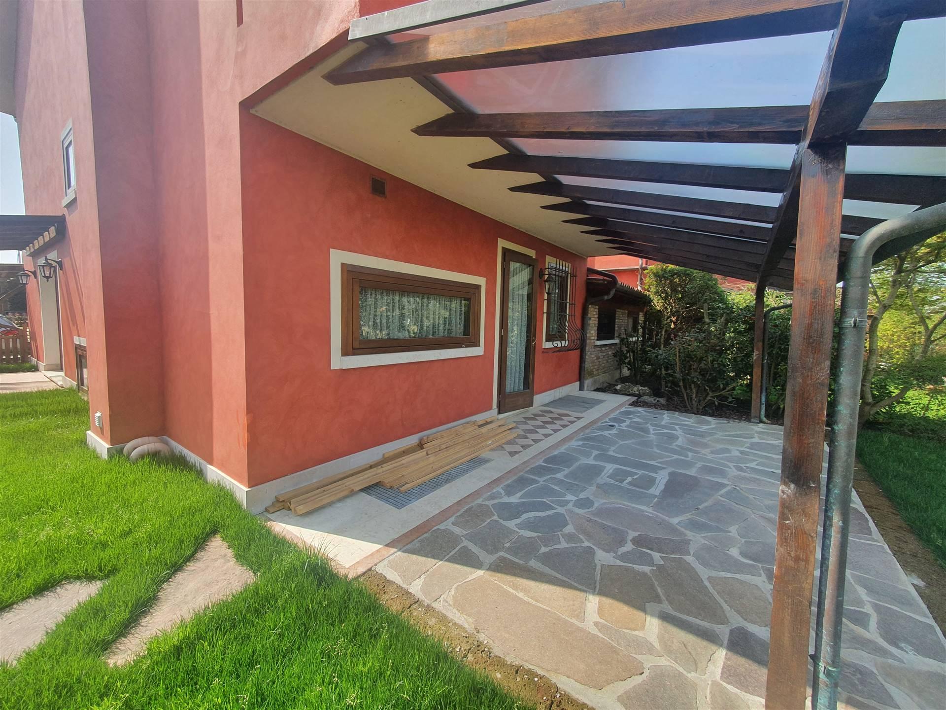 Villa in affitto a Roncade, 7 locali, zona Zona: Musestre, prezzo € 2.000 | CambioCasa.it