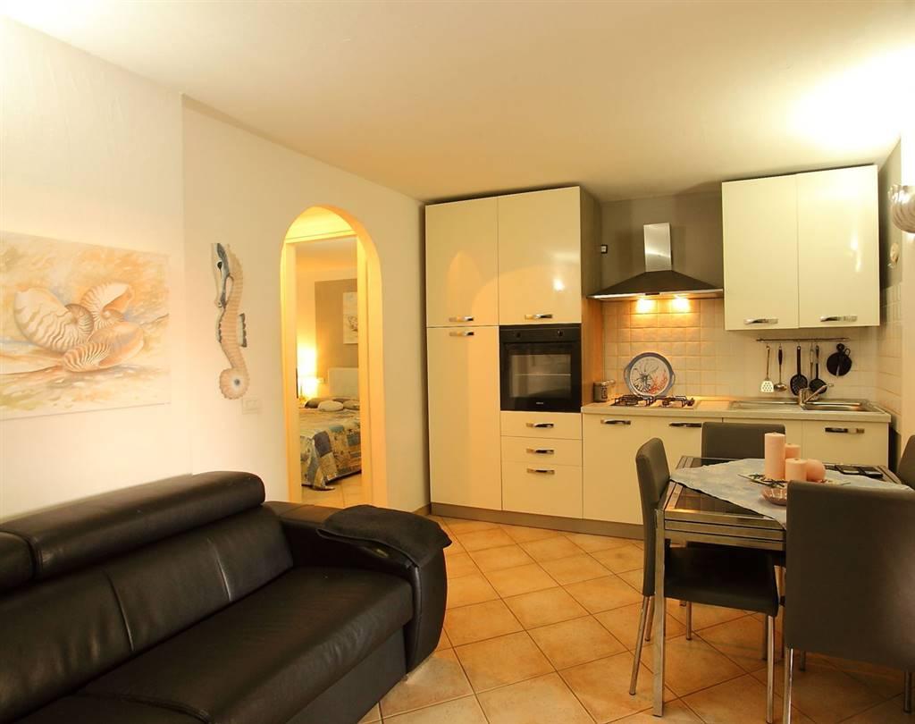 Appartamento indipendente in Strada Statale 125 73, Murta Maria, Olbia