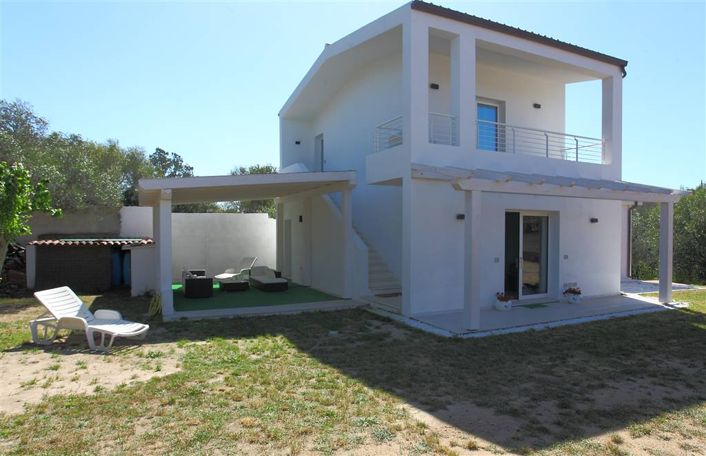 Villino in Via Mar Ligure  24, Pittulongu Mare e Rocce, Olbia