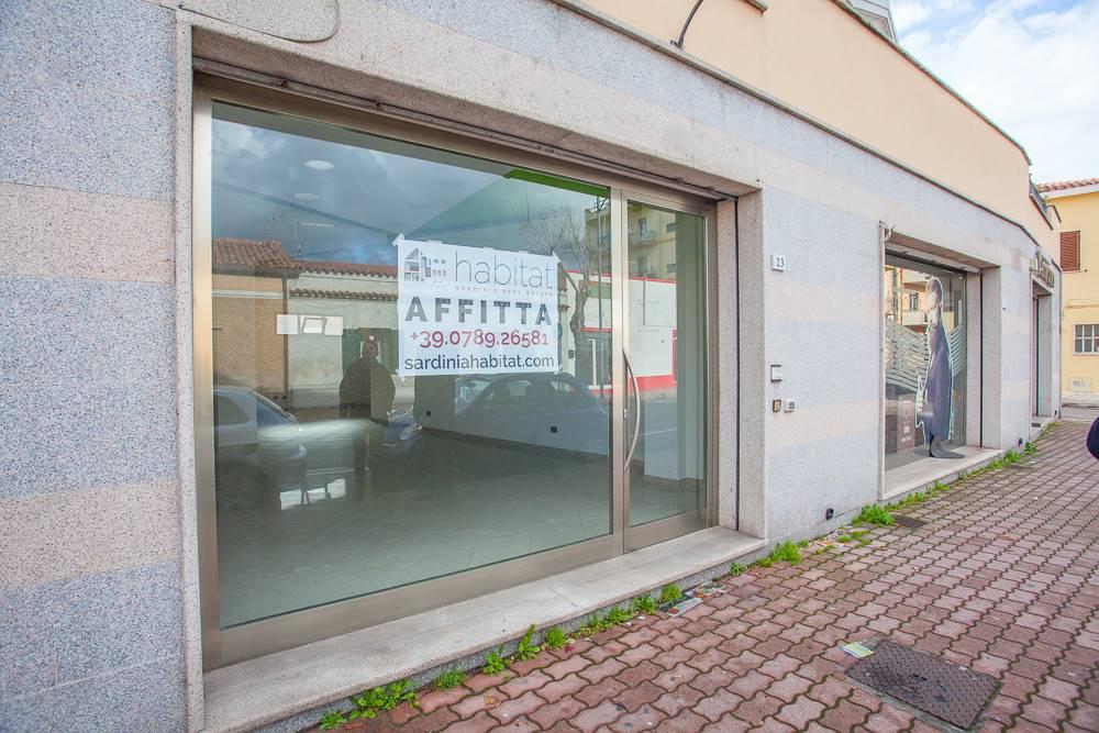Locale commerciale in Corso Vittorio Veneto  25, Olbia Città, Olbia