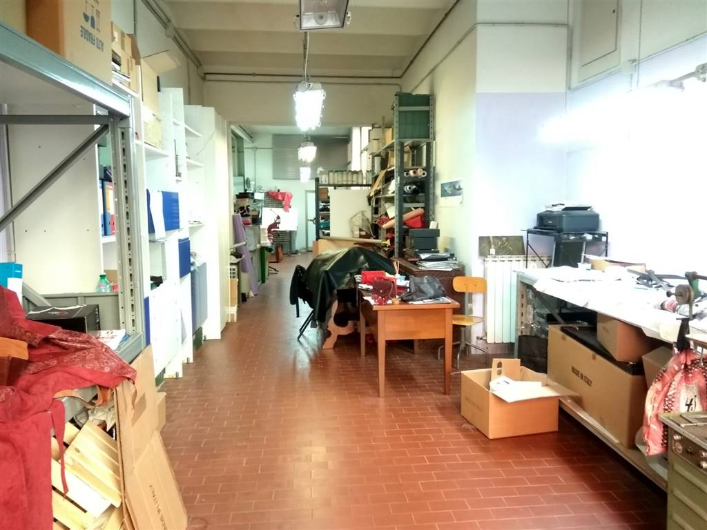 CURE, FIRENZE, Laboratory for sale of 130 Sq. mt., Energetic class: G, Epi: 175 kwh/m3 year, placed at Ground, composed by: 1 Room, 1 Bathroom,