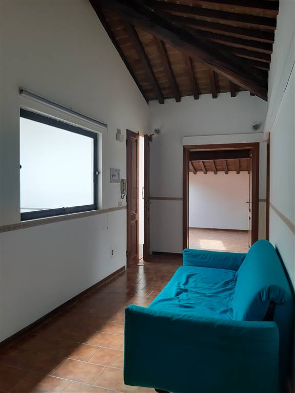 CURE, FIRENZE, Office for sale of 100 Sq. mt., Restored, Heating Individual heating system, Energetic class: G, Epi: 175 kwh/m3 year, placed at 2° on