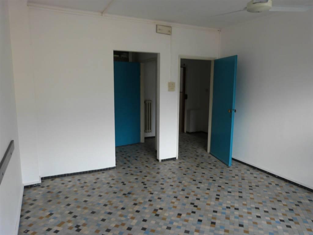 EUROPA, FIRENZE, Ufficio in affitto di 50 Mq, Ottime condizioni, Riscaldamento Centralizzato, Classe energetica: F, Epi: 27,63 kwh/m3 anno, posto al