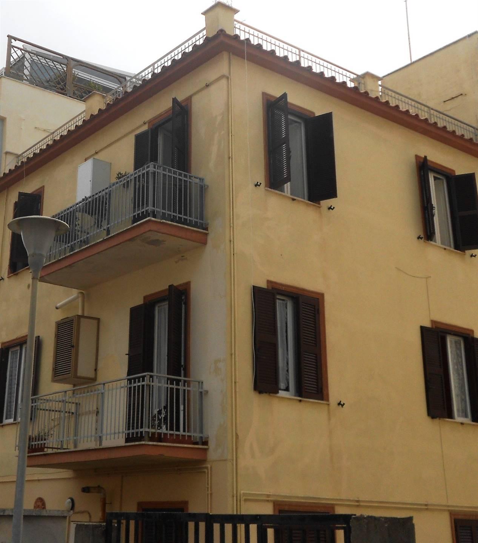 Appartamento in vendita a Anzio, 3 locali, zona Località: CENTRO, prezzo € 165.000 | CambioCasa.it