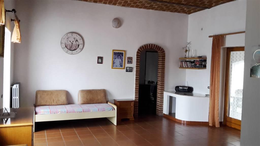 Casa singola, Capriglio, ristrutturata