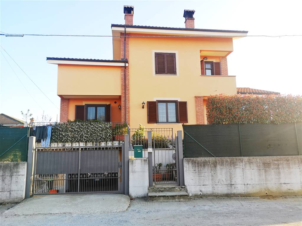 Villa, Dusino San Michele, in nuova costruzione