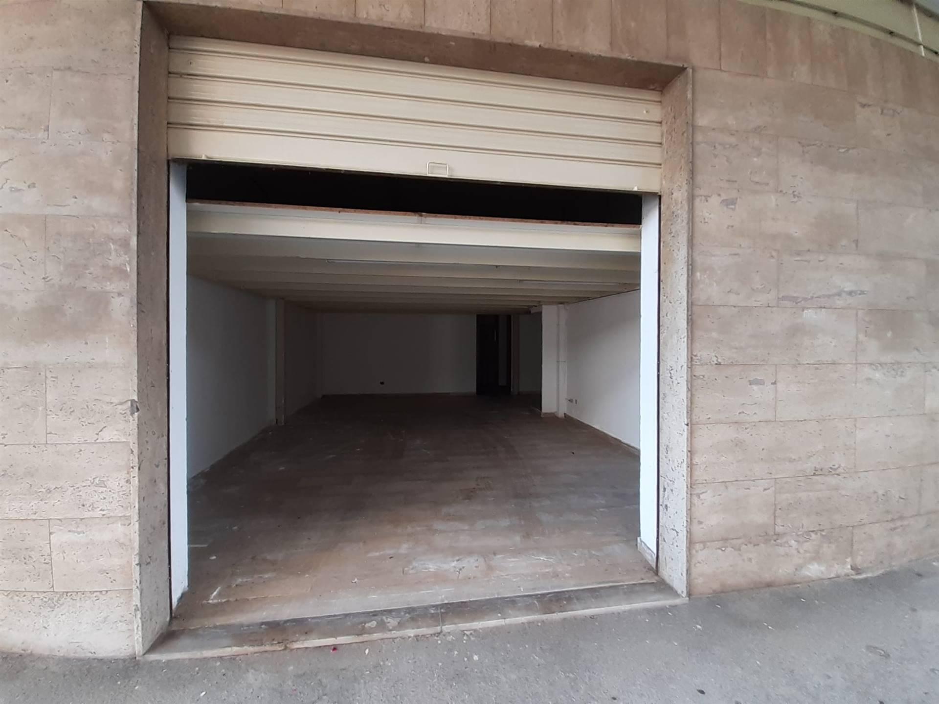 Box / Garage in vendita a Pescara, 2 locali, zona Località: STADIO, prezzo € 45.000 | CambioCasa.it
