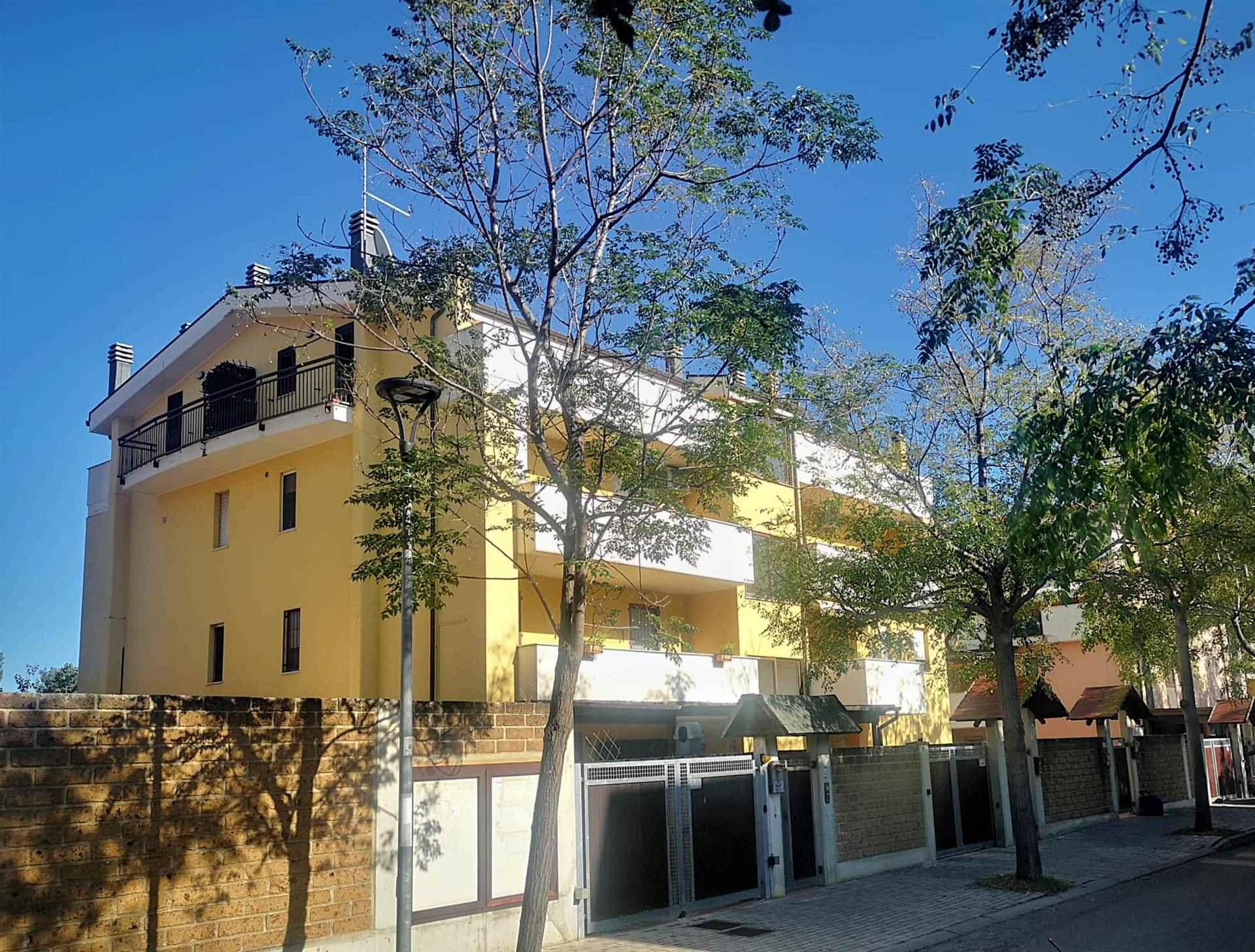 Appartamento in vendita a Montesilvano, 6 locali, zona Località: SPIAGGIA, prezzo € 235.000 | CambioCasa.it