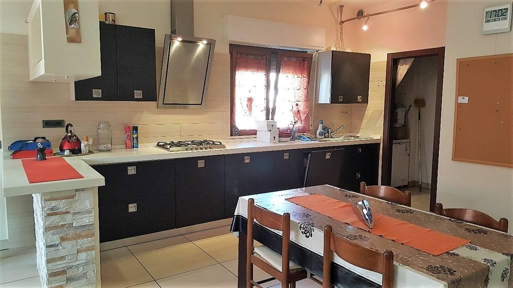 Appartamento in vendita a Camerata Picena, 3 locali, zona Località: PIANE, prezzo € 145.000 | CambioCasa.it