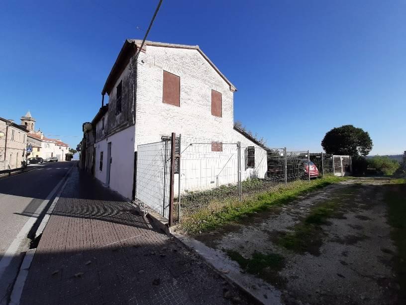 Soluzione Indipendente in vendita a Chiaravalle, 5 locali, zona Località: GRANCETTA, prezzo € 85.000 | CambioCasa.it