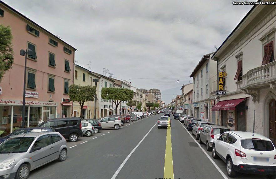 Locale commerciale a CECINA