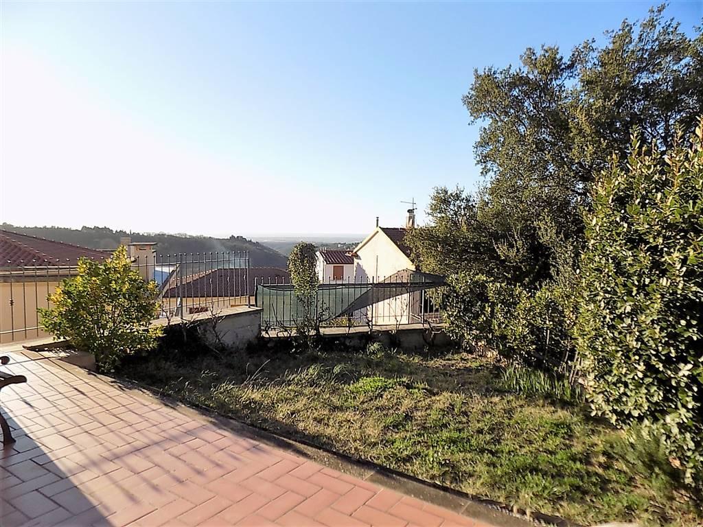 Appartamento indipendente in Via Del Castello, Montescudaio