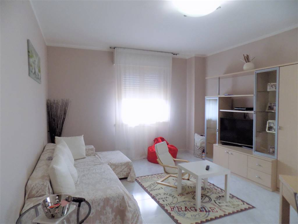 Appartamento indipendente in Via Guido Rossa, Cecina