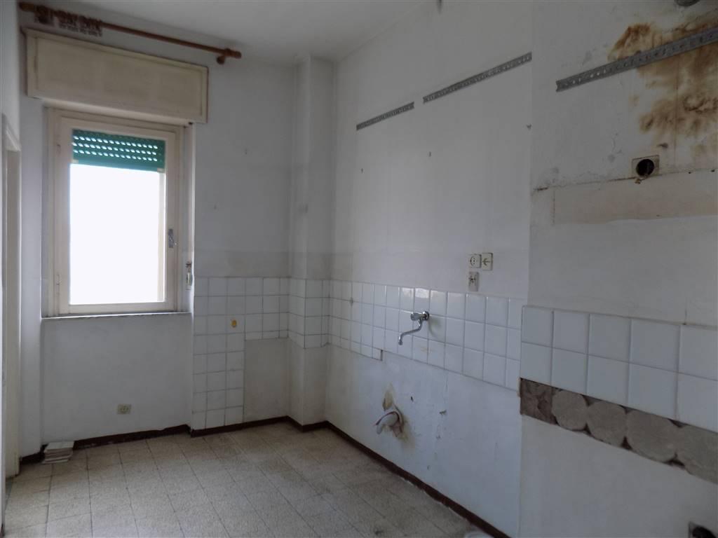 Appartamento, Cecina, da ristrutturare