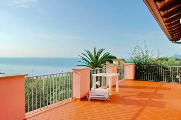 Villa, Tellaro, Lerici, in ottime condizioni