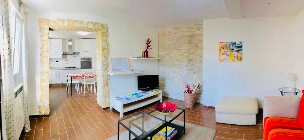 Villa, La Foce, La Spezia, ristrutturata