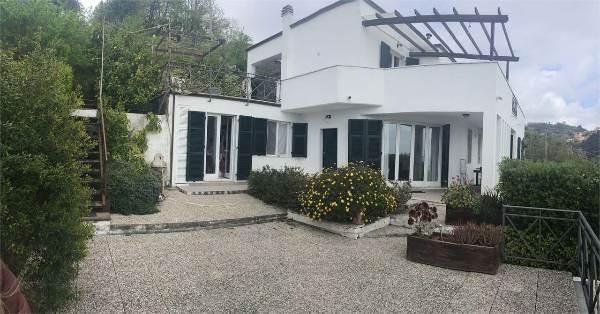 Villa, Pagliari,ruffino,muggiano, La Spezia, in ottime condizioni