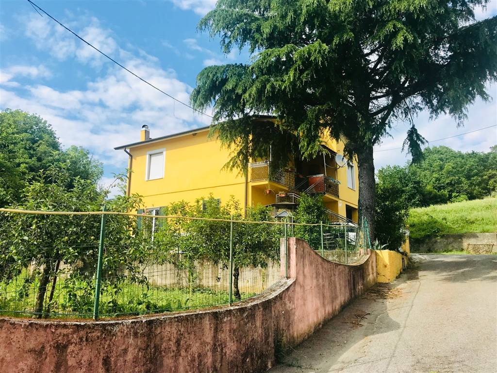 Casa semi indipendente, Sarzana, da ristrutturare