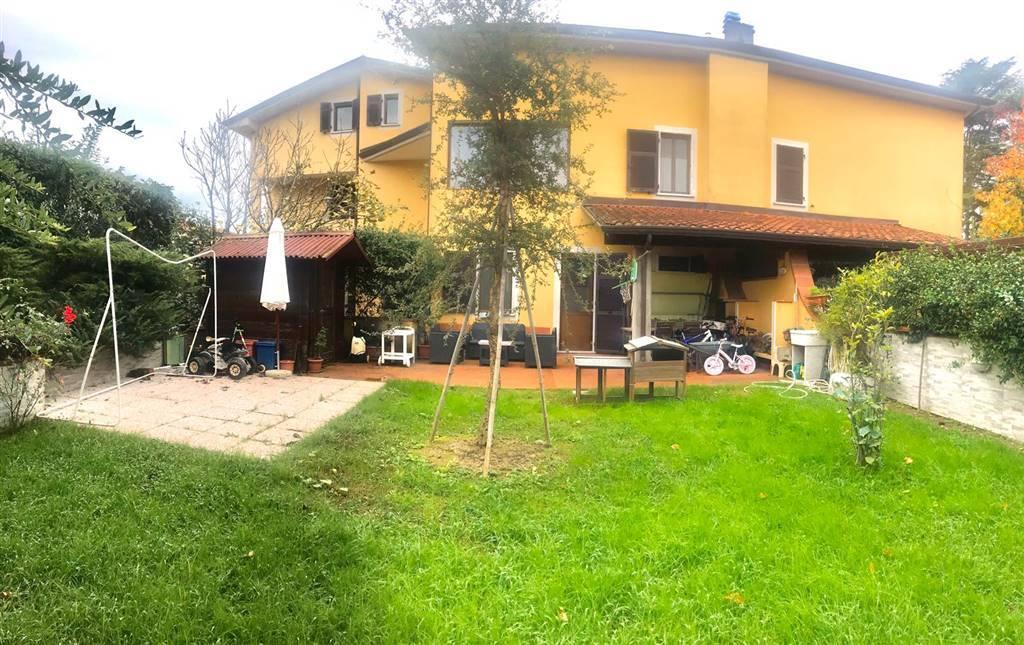 CaseLa Spezia - Villa a schiera, Molicciara, Castelnuovo Magra, in ottime condizioni