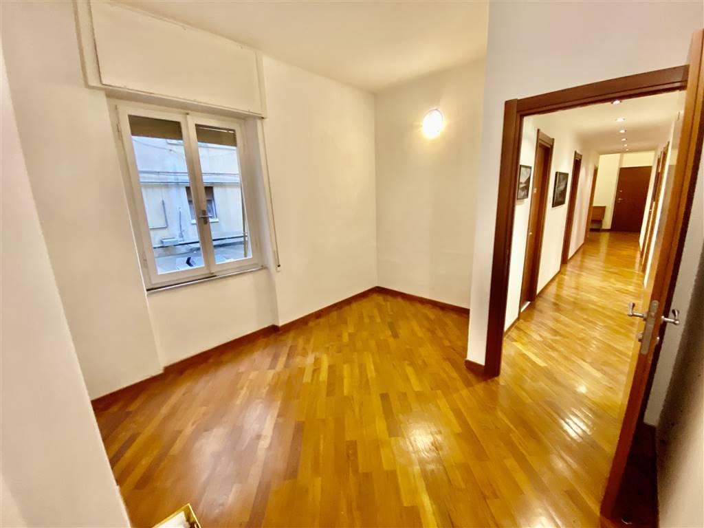 Ufficio / Studio in affitto a La Spezia, 1 locali, zona Località: OSPEDALE, prezzo € 125   CambioCasa.it