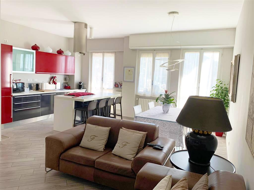 Appartamento in vendita a Rapallo, 4 locali, prezzo € 350.000 | CambioCasa.it