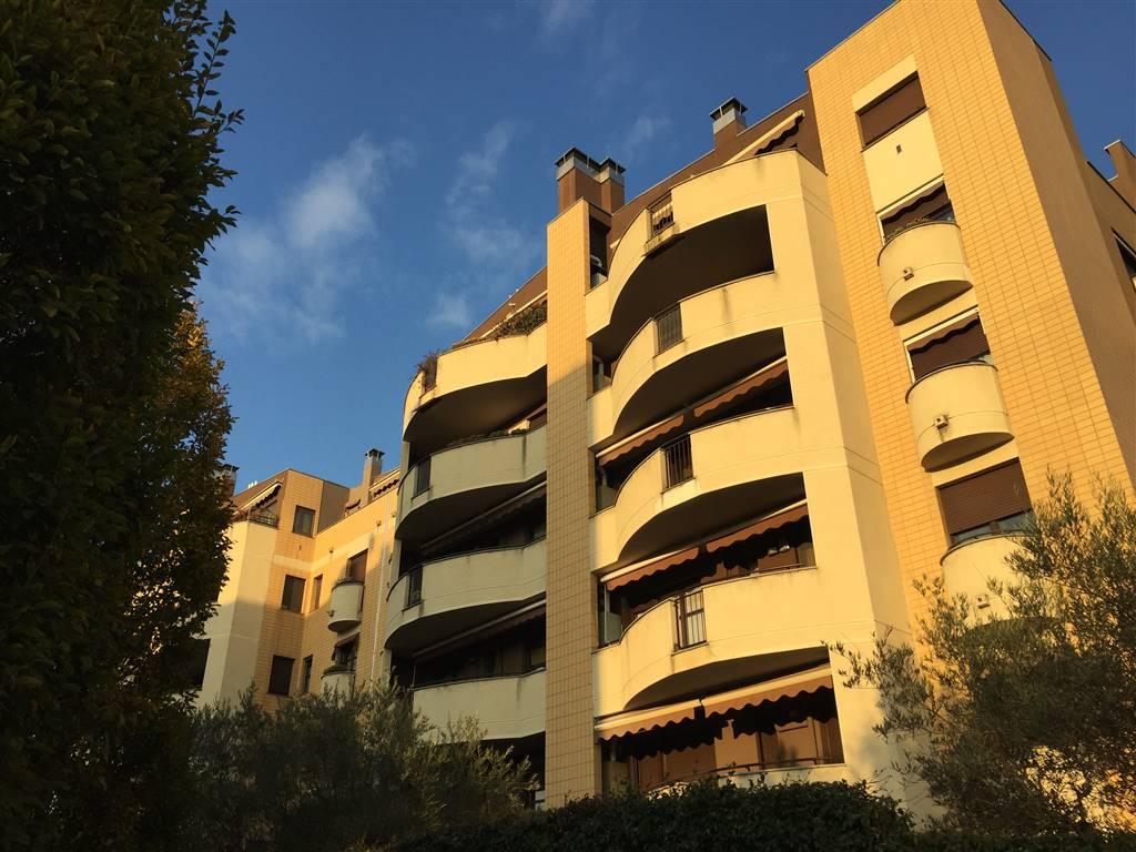 Trilocale in Via San Carlo, Muggio'
