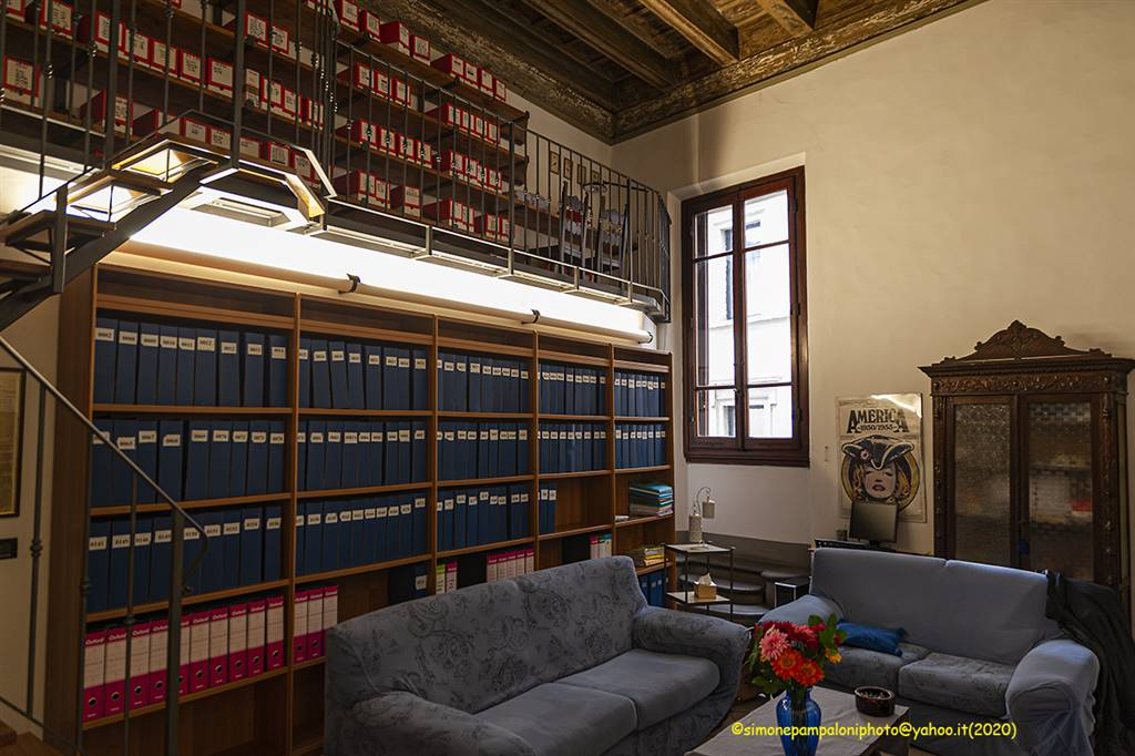 CENTRO STORICO, FIRENZE, Apartment for sale of 130 Sq. mt., Be restored, Heating Individual heating system, Energetic class: G, placed at 1° on 3,