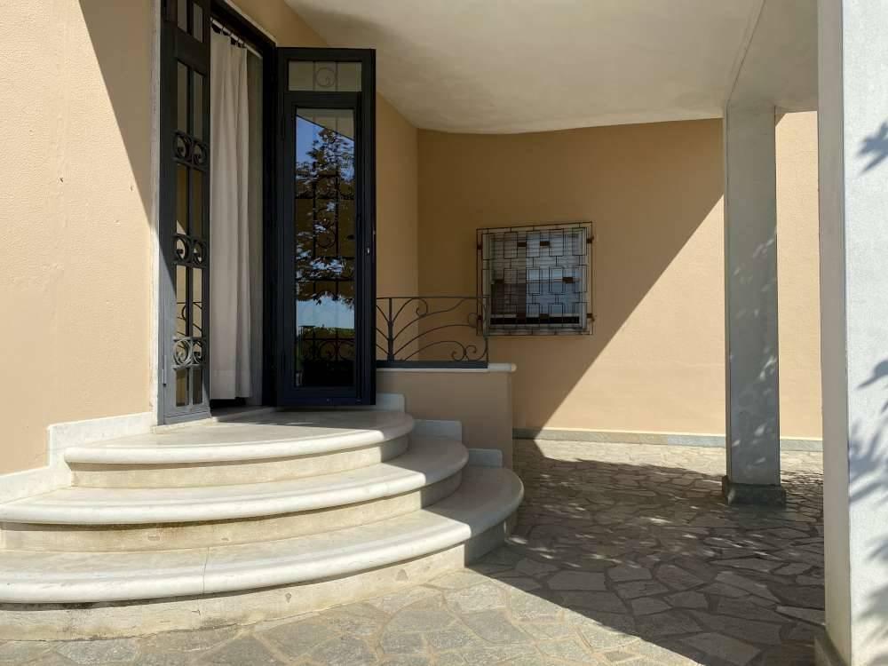Villa in vendita a Magnacavallo, 7 locali, zona Zona: Parolare, prezzo € 170.000   CambioCasa.it