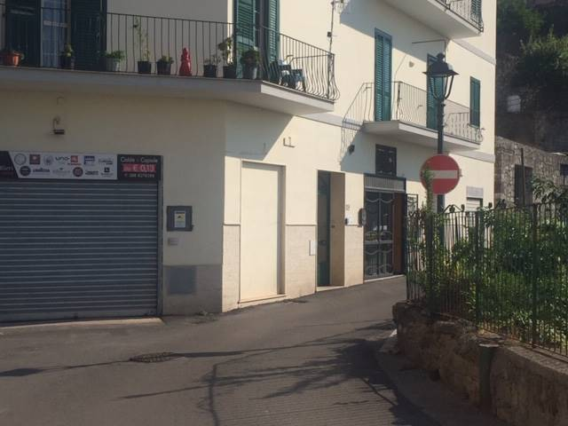 VICO EQUENSE (CAPOLUOGO), VICO EQUENSE, Business unit for rent, Energetic class: G, placed at Ground, composed by: 2 Rooms, 1 Bathroom, Price: € 800