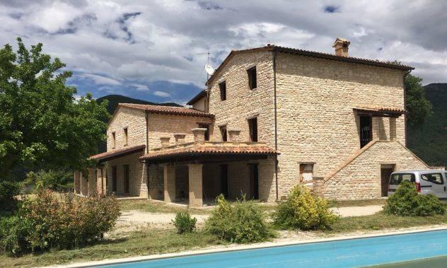 Colonica, Acqualagna, ristrutturata