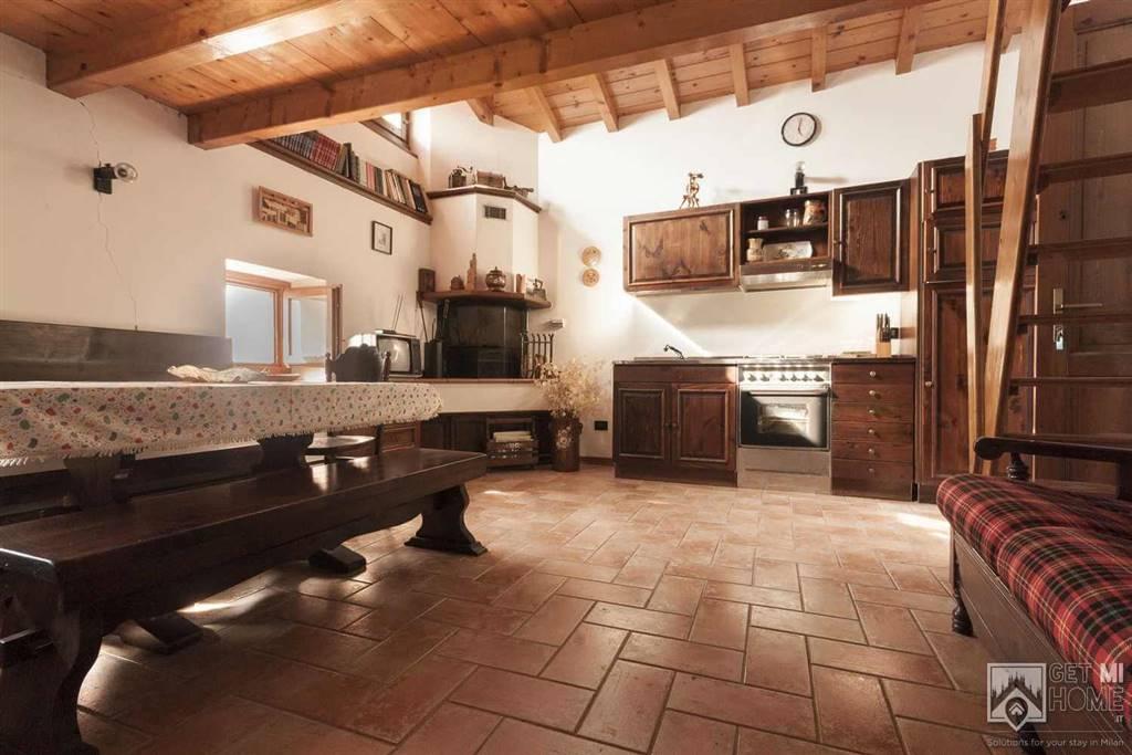 Rustico / Casale in affitto a Grandola ed Uniti, 3 locali, zona Zona: Naggio, prezzo € 550 | CambioCasa.it
