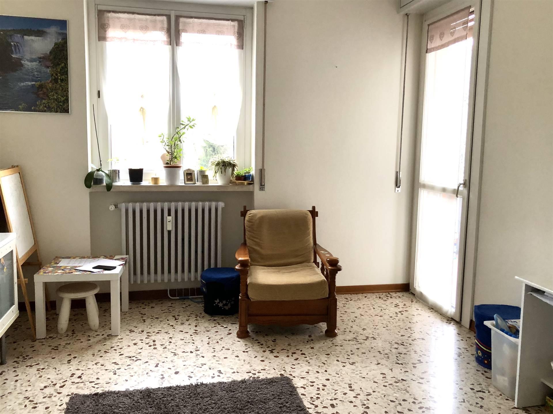 Appartamento in vendita a Locate di Triulzi, 4 locali, prezzo € 180.000 | CambioCasa.it