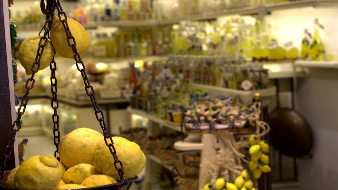 Attività / Licenza in vendita a Paderno Dugnano, 2 locali, prezzo € 54.000   CambioCasa.it