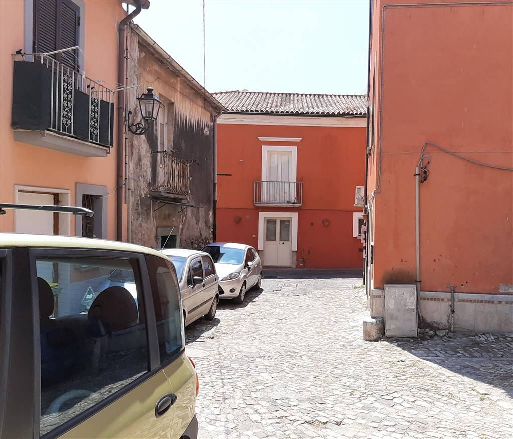 For Rent In My Area: Business Unit For Rent In Benevento Area Centro