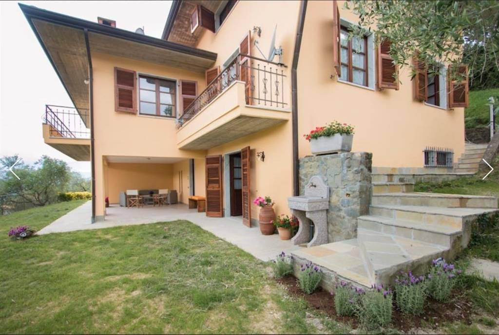 Villa in vendita a Fivizzano, 10 locali, zona Località: MONCIGOLI, prezzo € 600.000 | CambioCasa.it