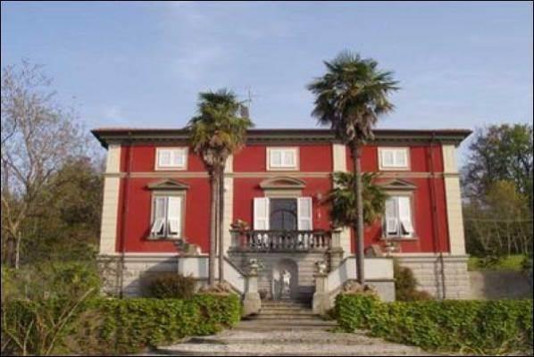 Villa in vendita a Licciana Nardi, 11 locali, prezzo € 1.200.000   PortaleAgenzieImmobiliari.it