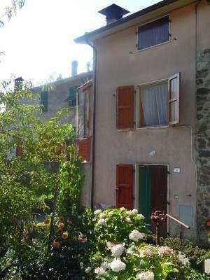 Appartamento in vendita a Tresana, 5 locali, prezzo € 80.000 | CambioCasa.it