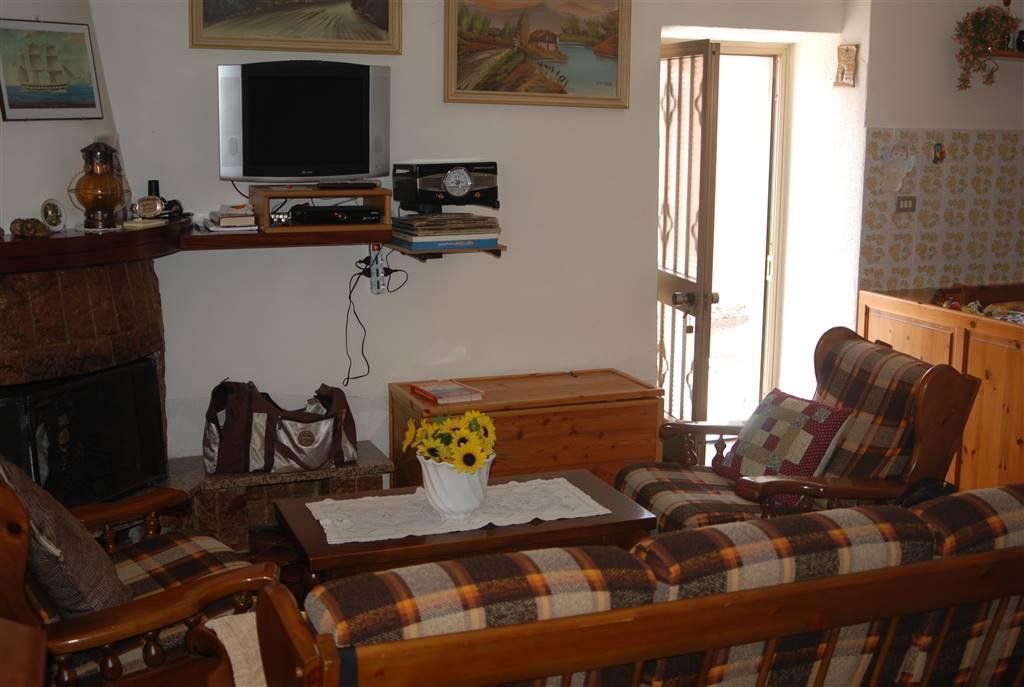 Appartamento in vendita a Fivizzano, 6 locali, zona Località: CESERANO, prezzo € 87.000 | PortaleAgenzieImmobiliari.it
