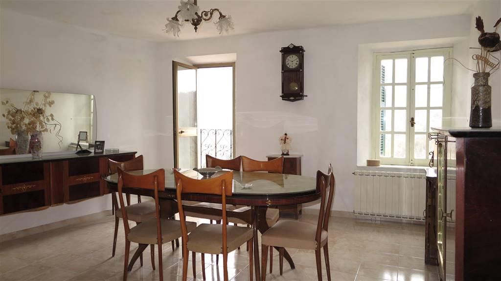 Soluzione Indipendente in vendita a Fivizzano, 8 locali, prezzo € 95.000 | CambioCasa.it