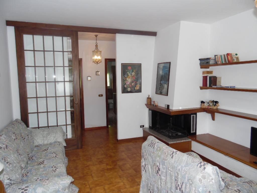 Appartamento in vendita a Fivizzano, 6 locali, zona Località: MONZONE, prezzo € 90.000 | PortaleAgenzieImmobiliari.it