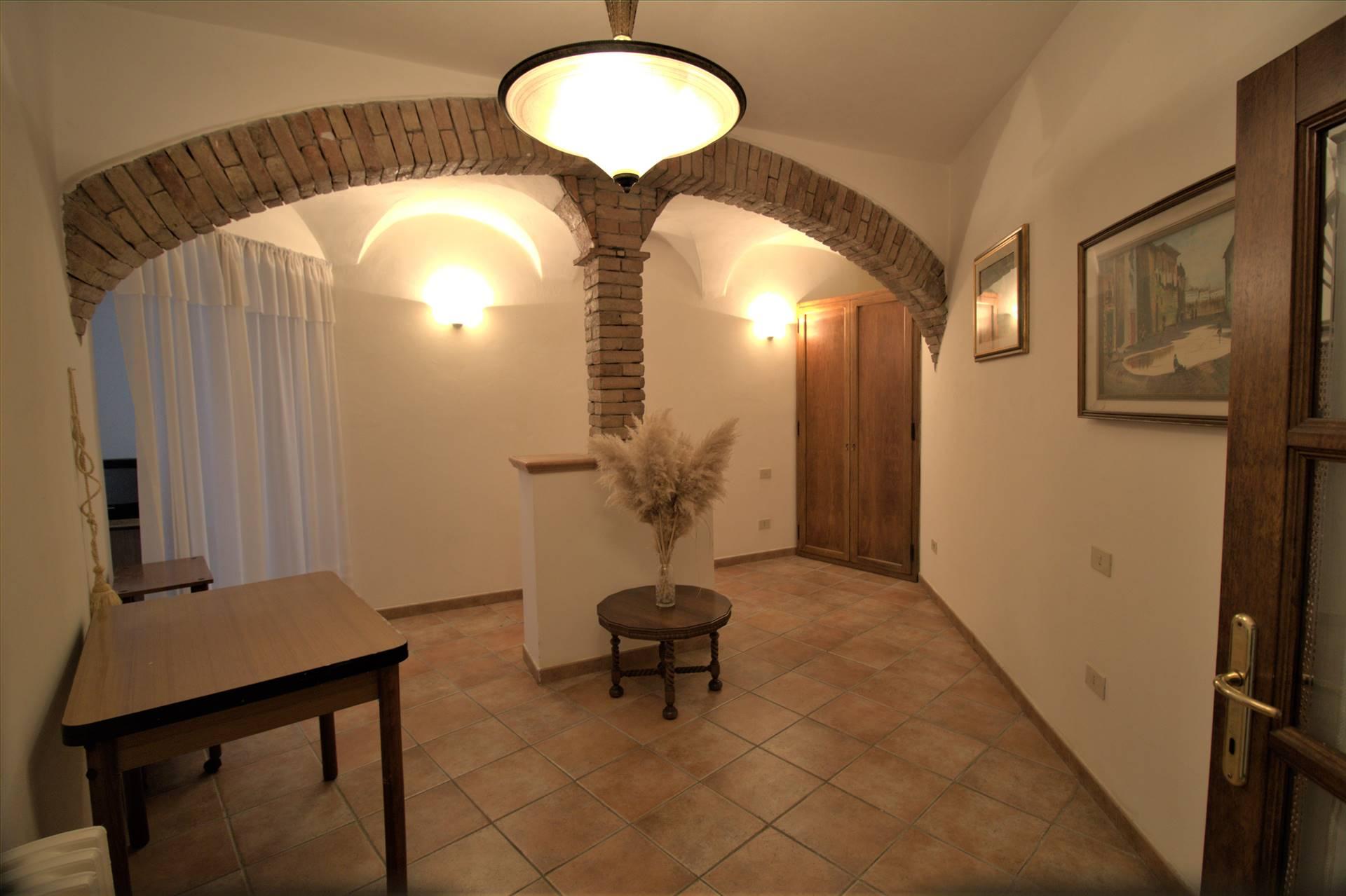 Appartamento in vendita a Aulla, 8 locali, zona erone, prezzo € 98.000 | PortaleAgenzieImmobiliari.it