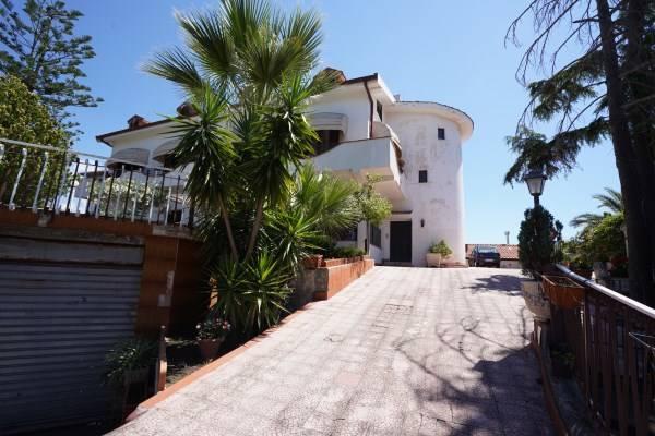 Villa Bifamiliare in vendita a San Pietro Clarenza, 10 locali, prezzo € 224.000 | CambioCasa.it