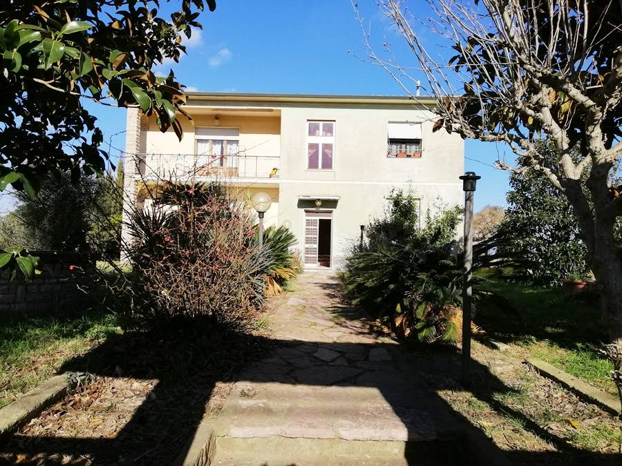 Farmhouse in CASTAGNETO CARDUCCI