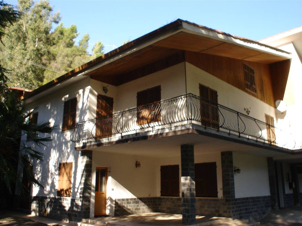 Villa in vendita a Isolabona, 16 locali, prezzo € 550.000 | PortaleAgenzieImmobiliari.it
