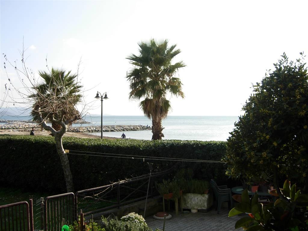 Quadrilocale in Via Fiume  33/c, Follonica