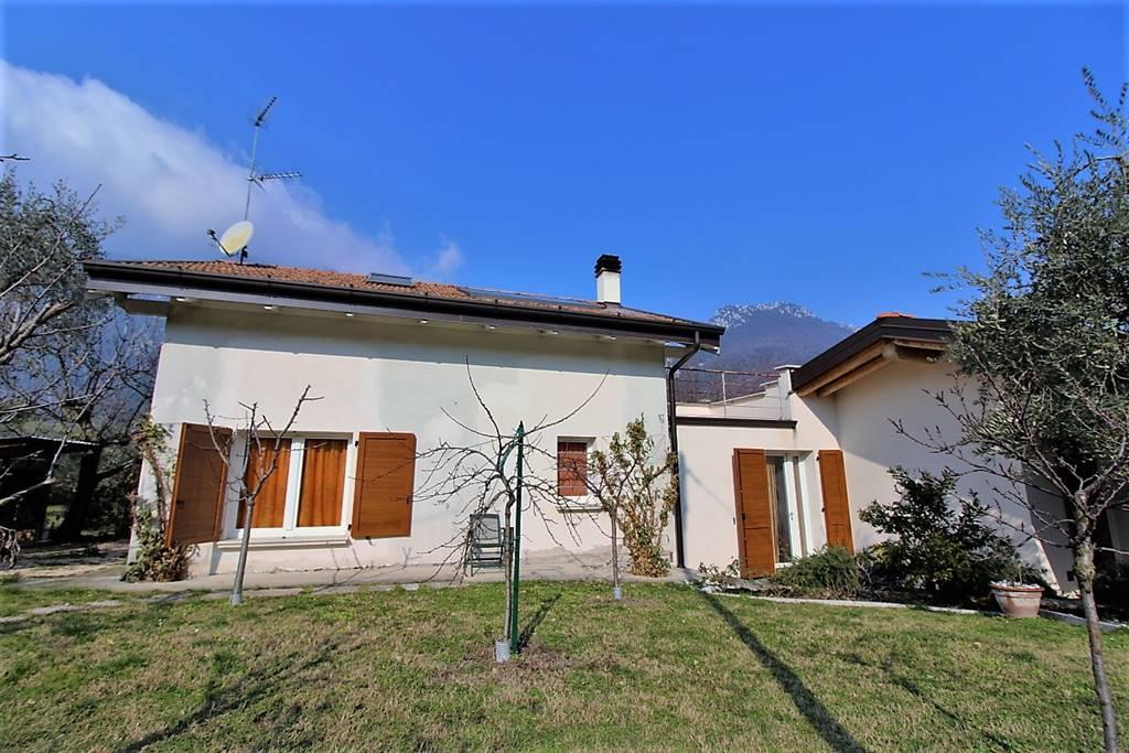 Villa in Via Dell'era, Gaino, Toscolano-maderno