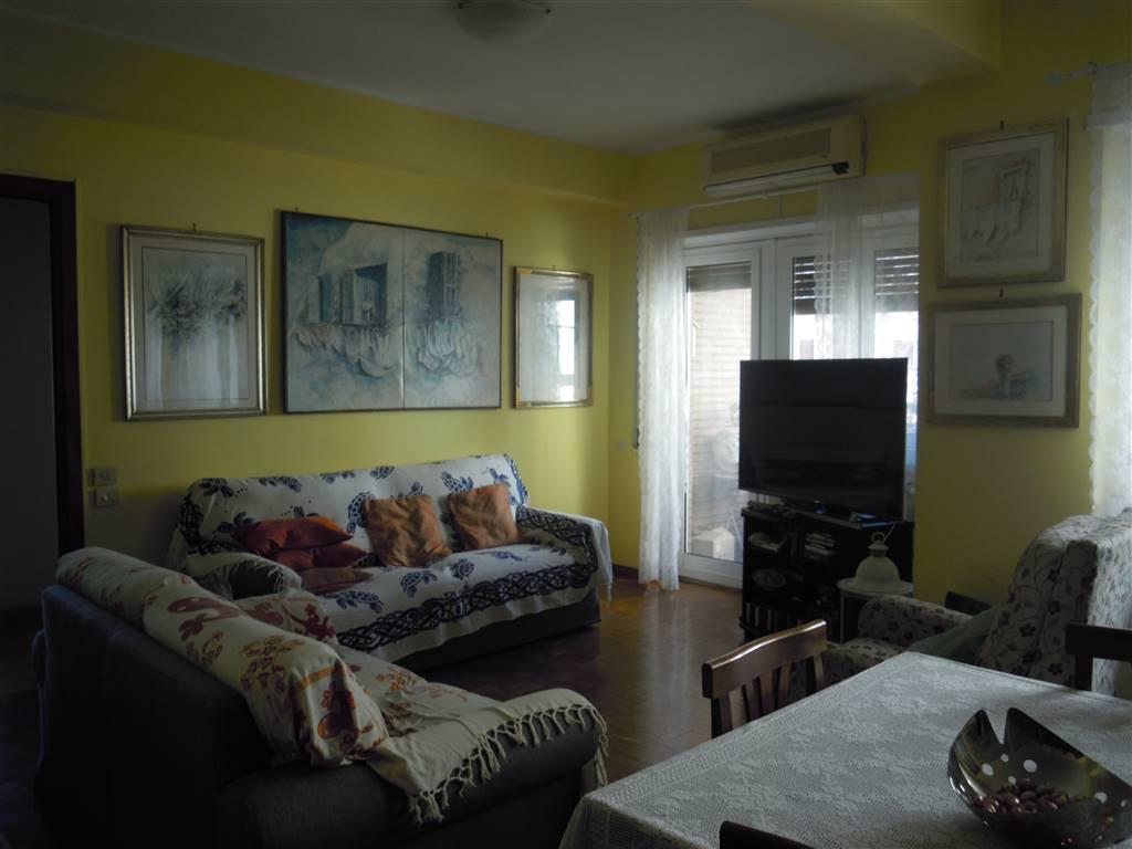 Appartamento in vendita a Roma, 4 locali, zona Zona: 20 . Marconi - Ostiense, prezzo € 315.000 | CambioCasa.it