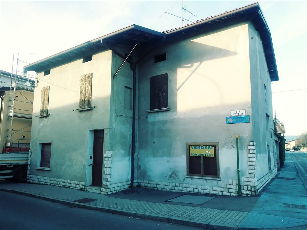 Appartamento in vendita a Flero, 12 locali, prezzo € 110.000 | PortaleAgenzieImmobiliari.it