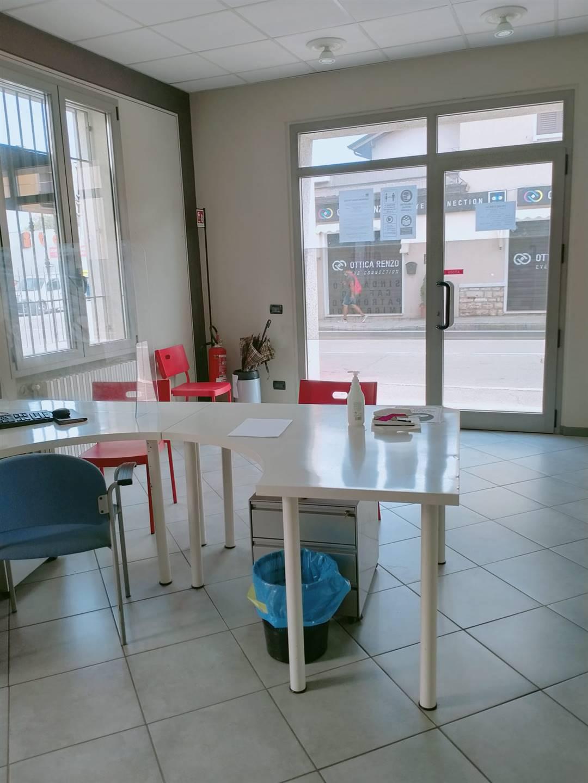 Negozio / Locale in affitto a Brescia, 3 locali, zona Abba/S. Anna, prezzo € 700   PortaleAgenzieImmobiliari.it