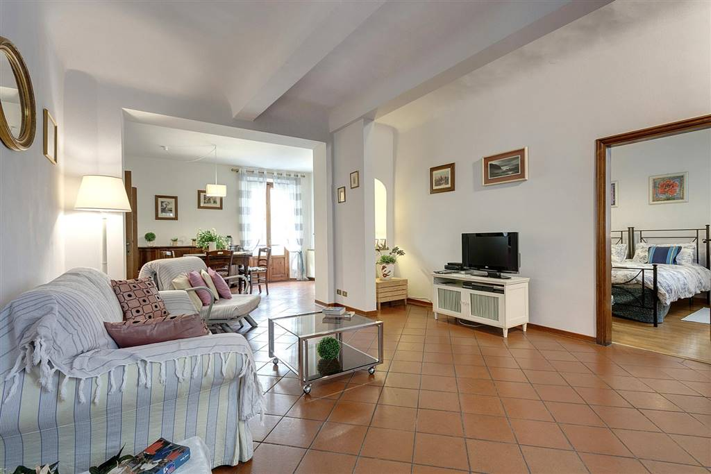 SANTO SPIRITO, FIRENZE, Apartment for rent of 65 Sq. mt., Good condition, Heating Centralized, Energetic class: G, placed at 2° on 3, composed by: 3